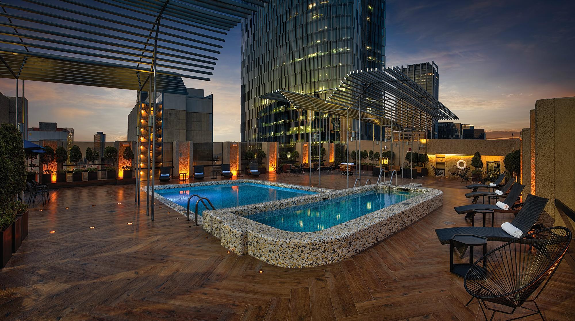 Alberca hotel Galeria Plaza Reforma